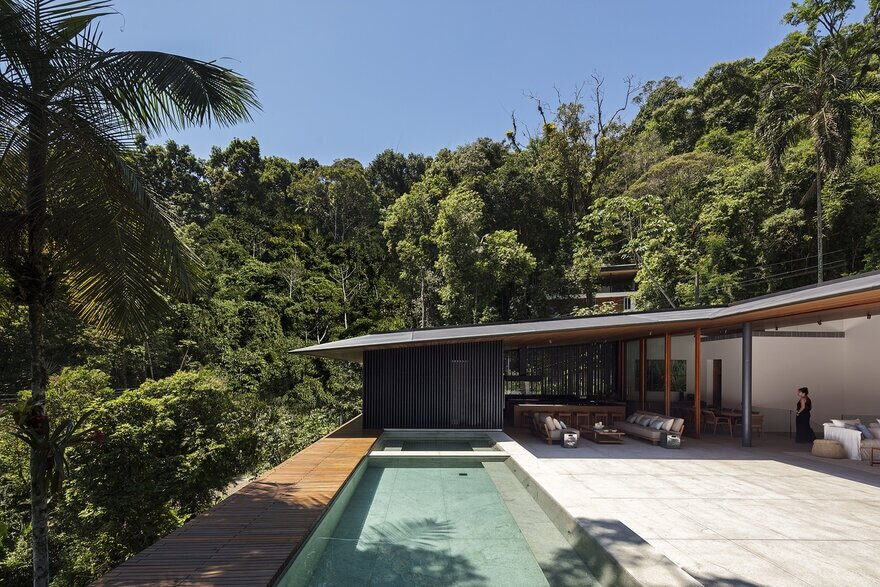 MH Residence - Beach House on the Coast of São Paulo