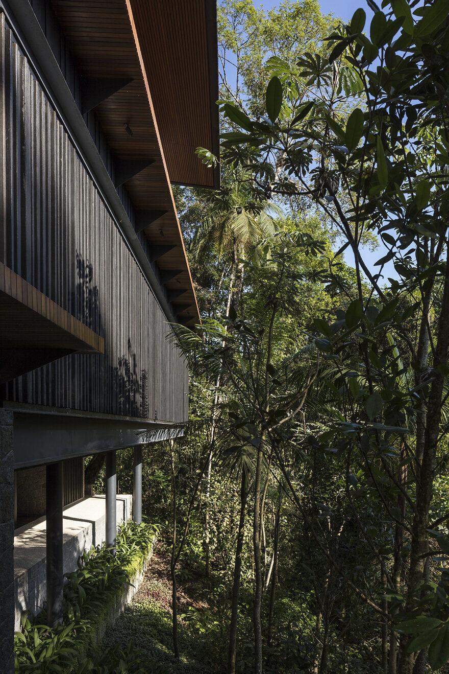 MH Residence - Beach House on the Coast of São Paulo