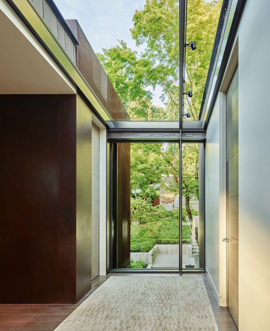 Mercer Island Residence / Graham Baba Architects