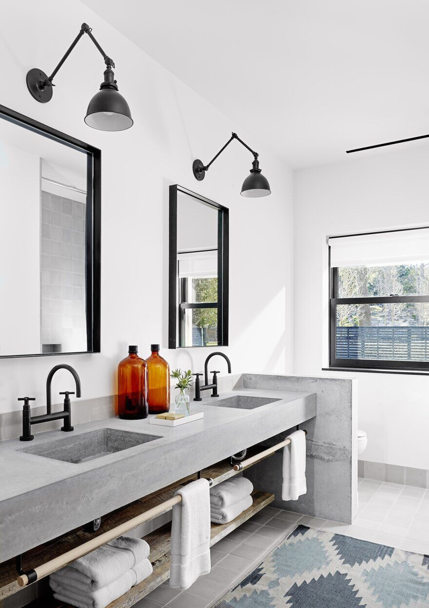bathroom / Aamodt / Plumb Architects