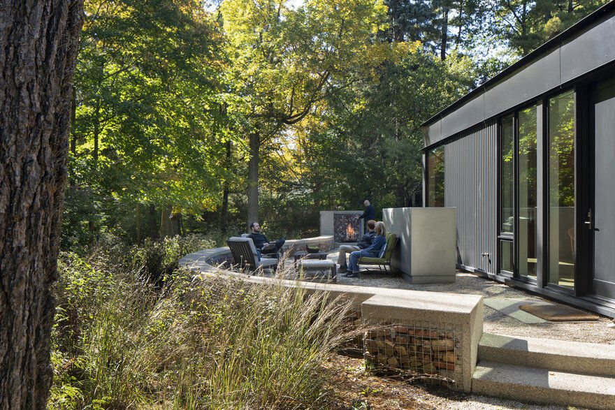 outdoor fireplace, Wheeler Kearns Architects
