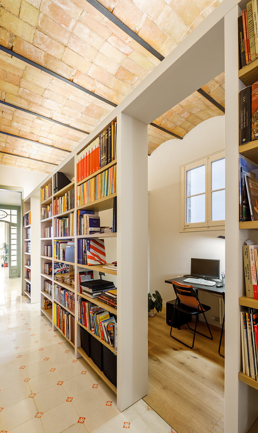 home office and library, Marina Sezam Studio