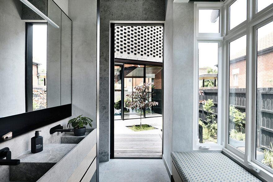 bathroom / Jackson Clements Burrows Architects