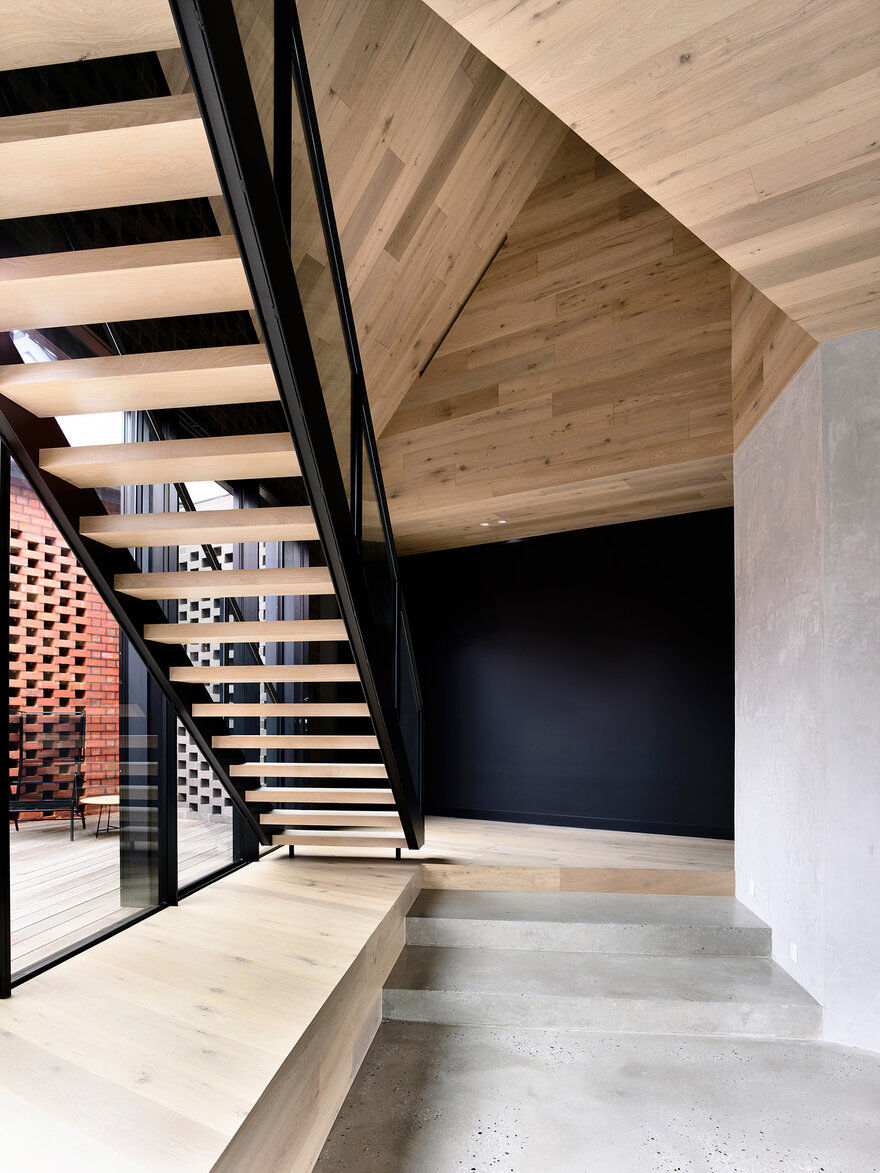 staircase / Jackson Clements Burrows Architects