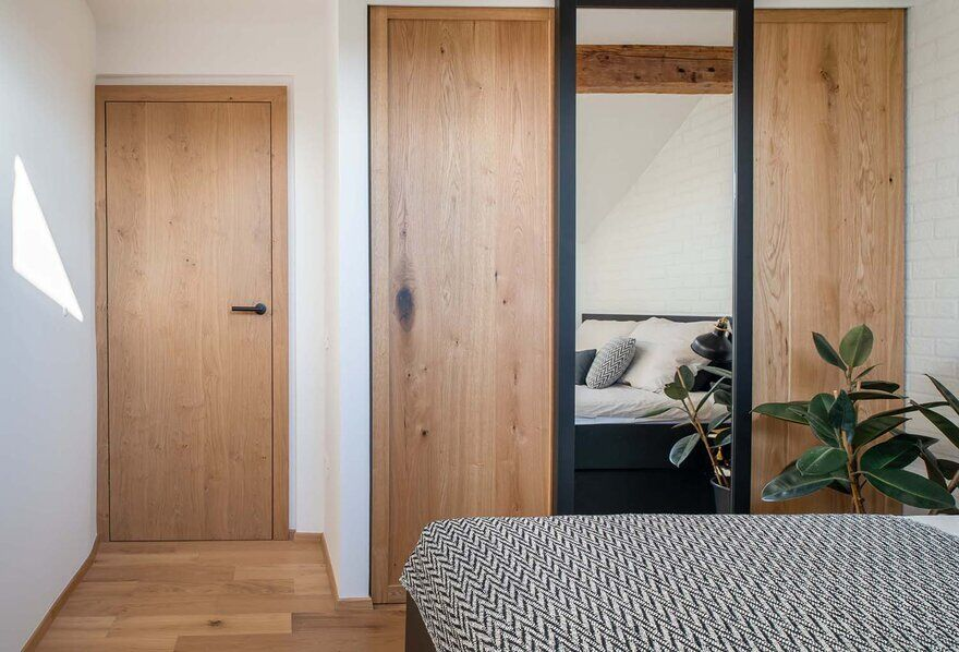 bedroom, Ljubljana / Idealists Studio