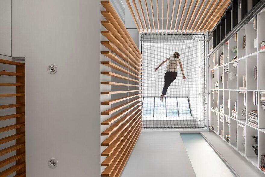Atrium Townhome in Montréal, Canada / RobitailleCurtis