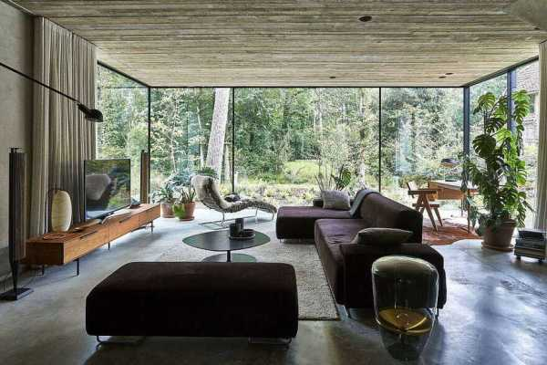 A Belgian Open House that Hides Behind an Oriental Brick-Curtain