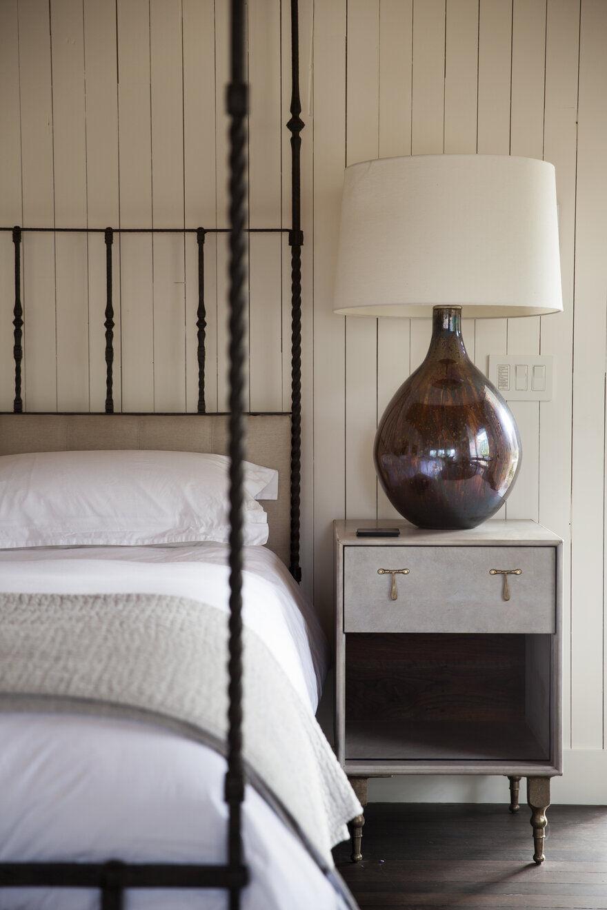 bedroom, Napa, California by Richard Beard Architects