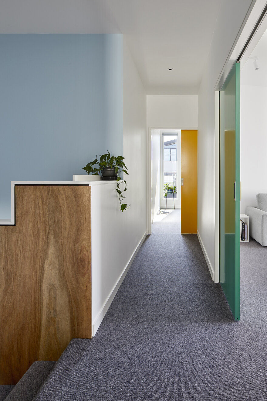 House for All Seasons / Poly Studio