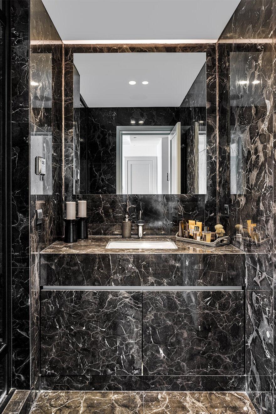 bathroom, Istanbul / Escapefromsofa