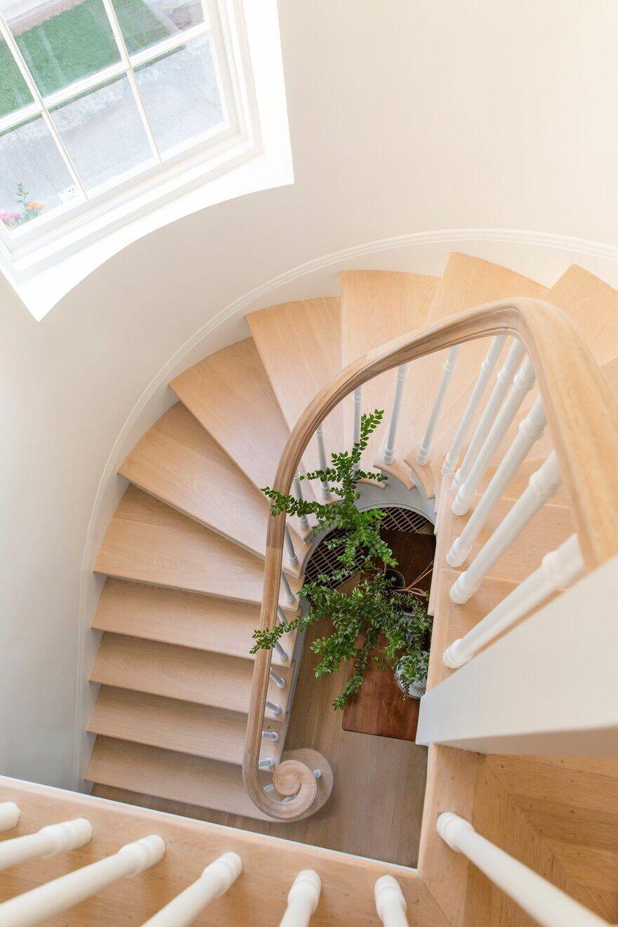 Stairwell / Regan Baker Design