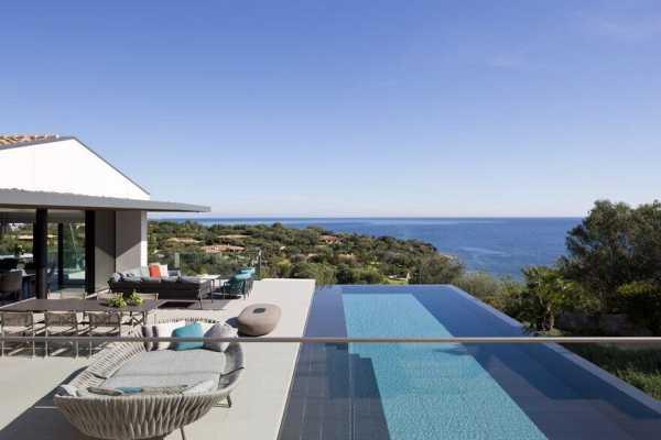 Villa Emma ? Summer Retreat by Mario Mazzer Architects
