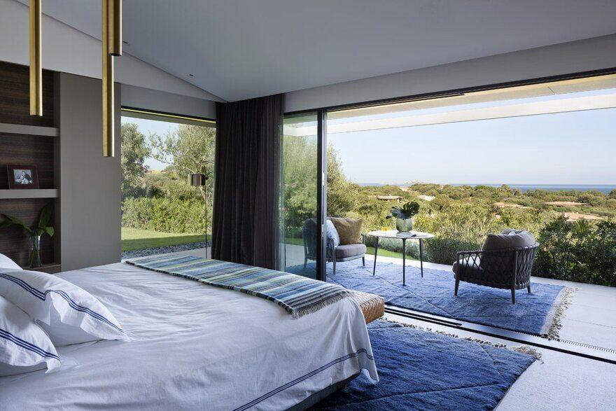 bedroom by Mario Mazzer Architects