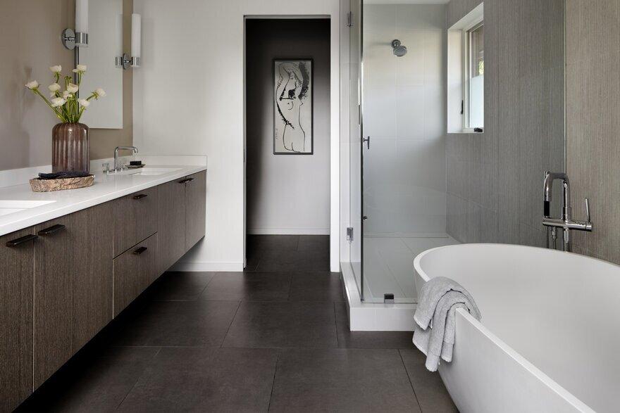 bathroom, Assembledge+