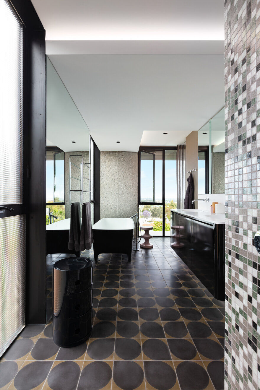 bathroom / Clive Wilkinson Architects