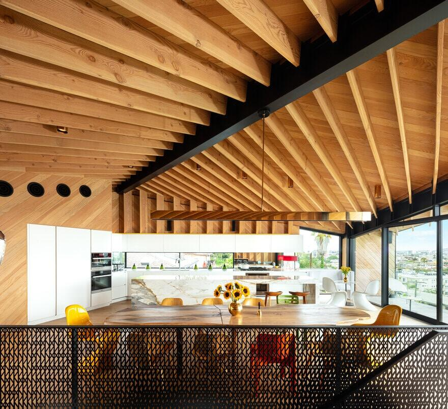 West Los Angeles Residence / Clive Wilkinson Architects