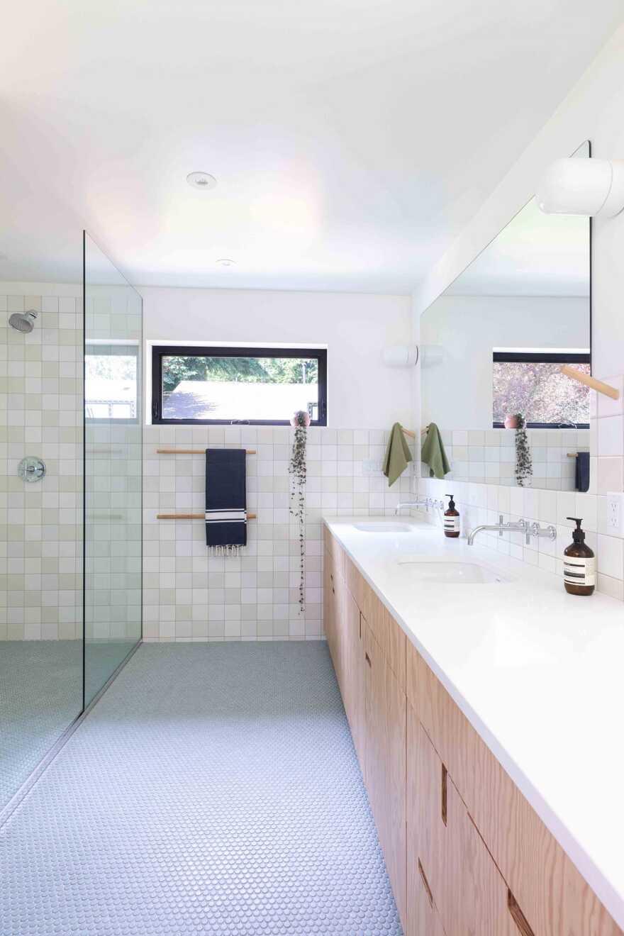 bathroom, Measured Architecture