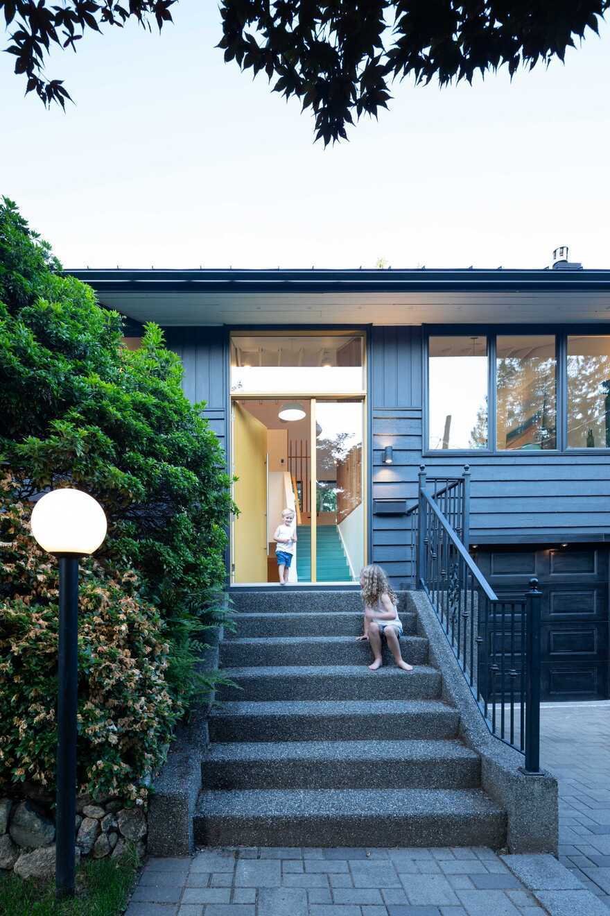 1950s Split-Level Home Renovated by Measured Architecture