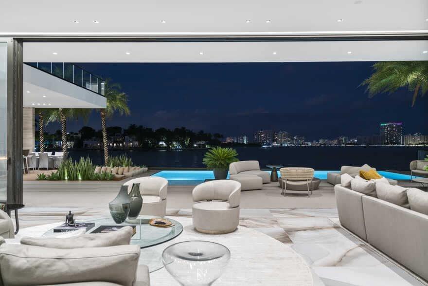 open floor plan / Choeff Levy Fischman