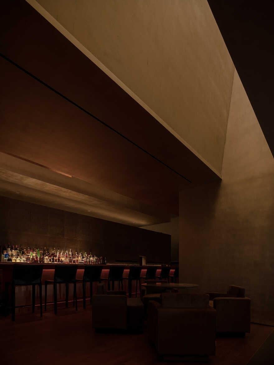 Voisin Organique Restaurant & Lounge / Various Associates