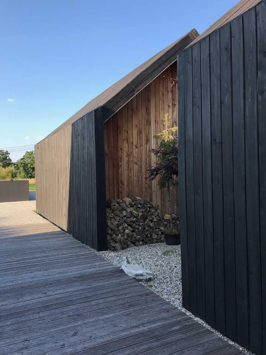 Contemporary Barn House in Silesia, Poland / Gornik Architects