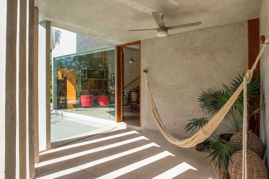 entrance hall / TACO Taller de Arquitectura Contextual