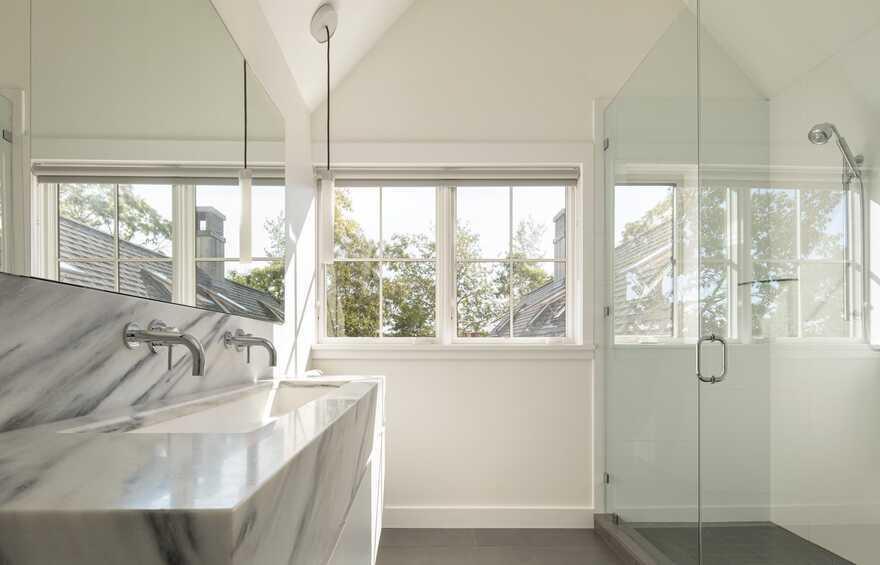 Damariscotta River View Cottage / Whitten Architects