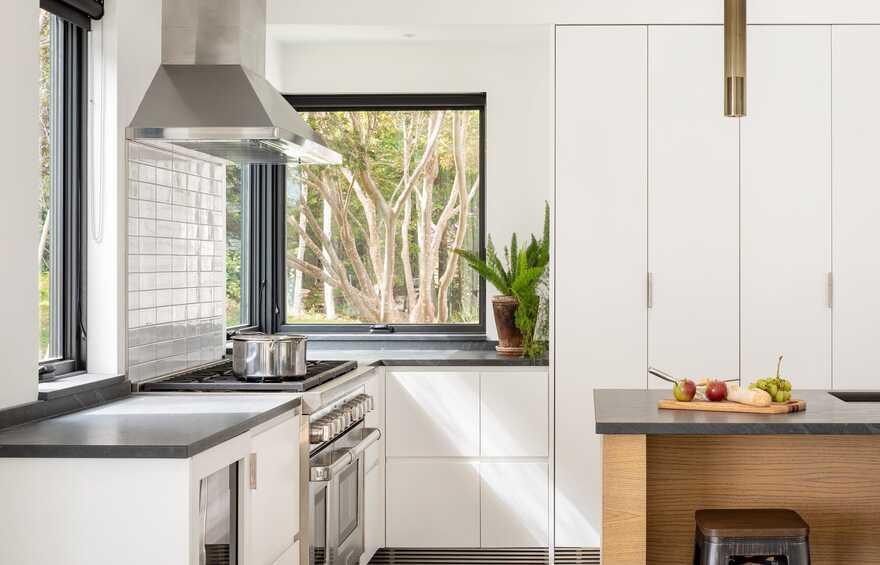 kitchen / Whitten Architects