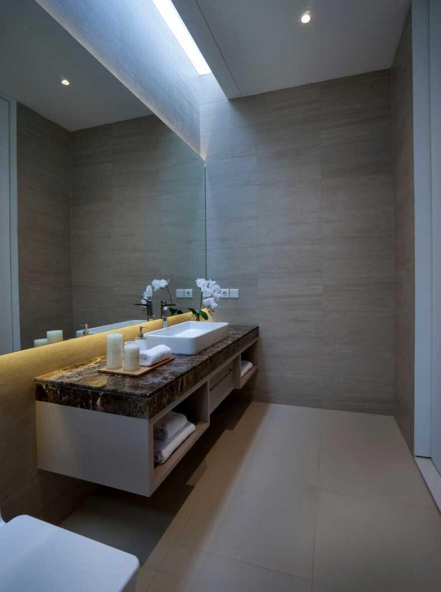 bathroom, Surabaya / Simple Projects Architecture
