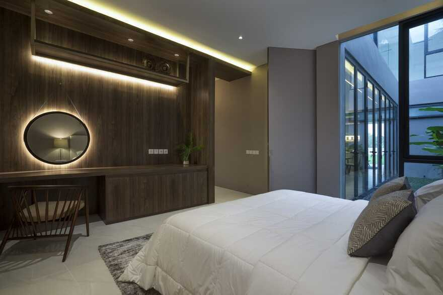 HHH House, Surabaya / Simple Projects Architecture