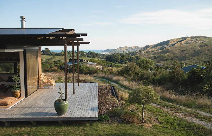 Huru House by WireDog Architecture