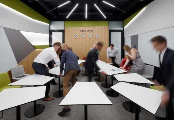 Innovative Workspace for Department G, ?KODA AUTO Mladá Boleslav