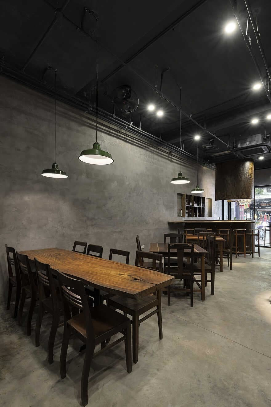 K-pub Pizza, Hai Phong, Vietnam / StudioW