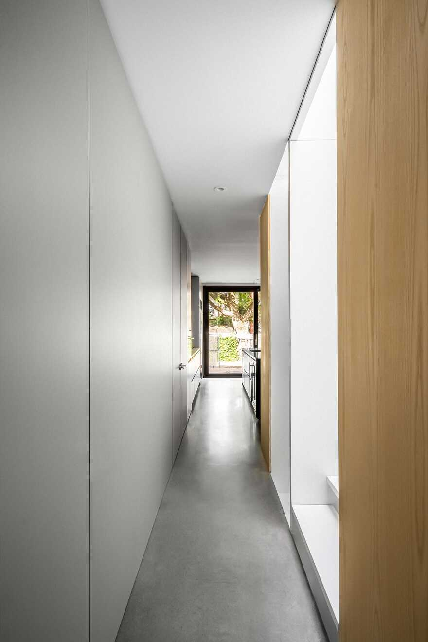 Olivier Nelson Residence, Montreal Naturehumaine Architects
