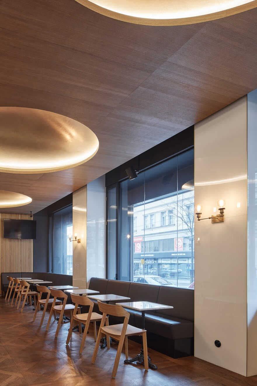 Restaurant Vinohradská 12 by CMC Architects