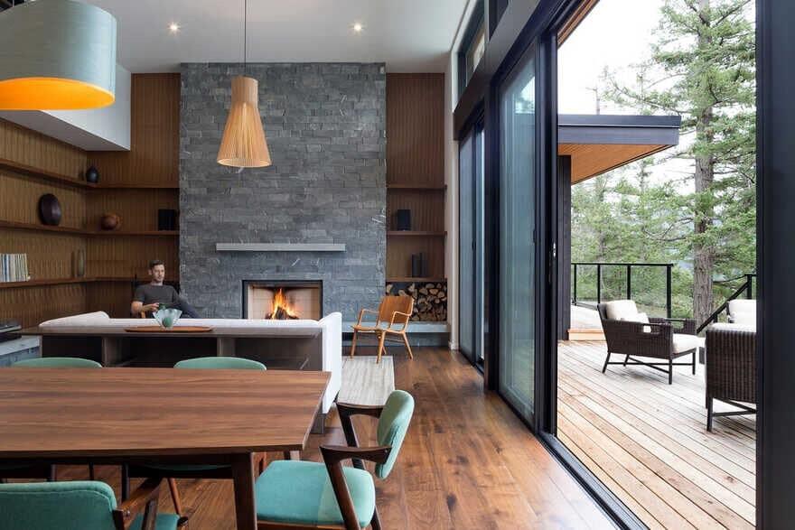 Salt Spring House / Julian Carnrite Architect