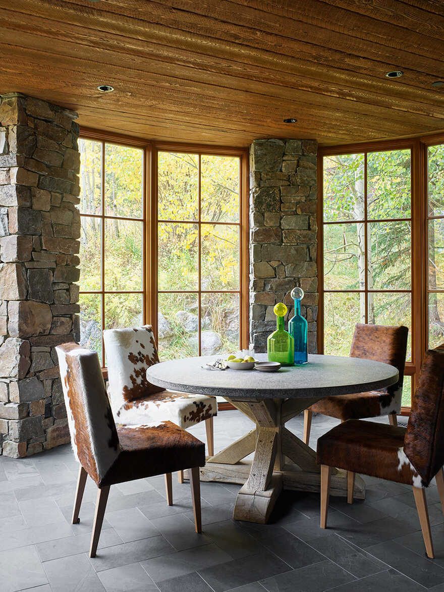dining room, Wyoming / Carney Logan Burke Architects