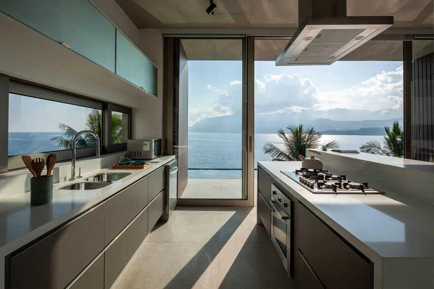 kitchen, Brazil / HUS Arquitetos