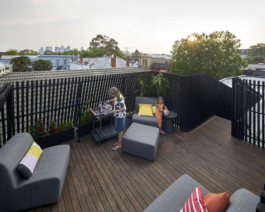 terrace / Megowan Architectural
