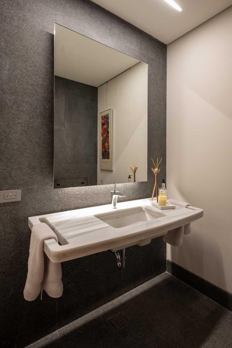 bathroom / Alejandro de la Vega Zulueta