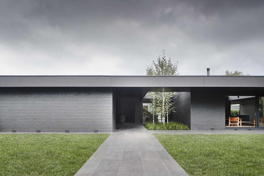 Central Park Road House / Studiofour
