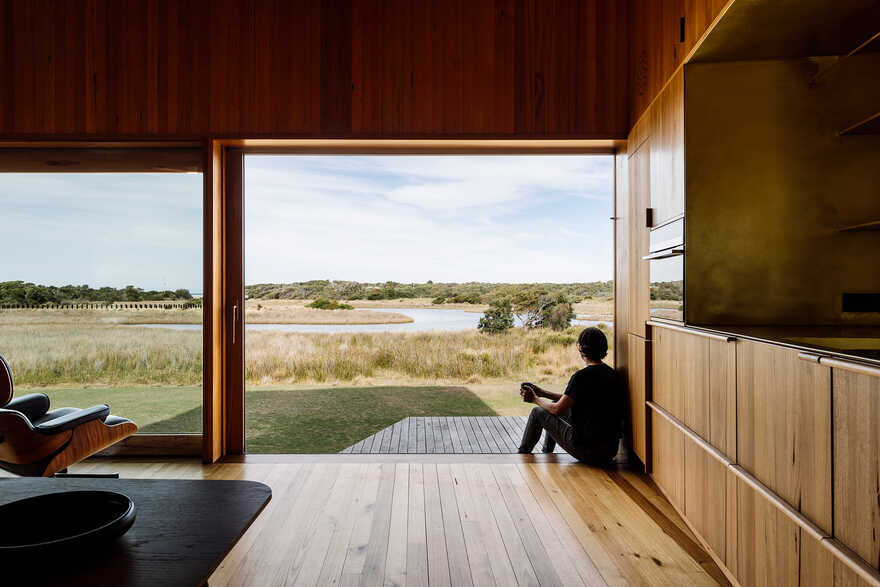 Denison Rivulet Cabins / Taylor and Hinds
