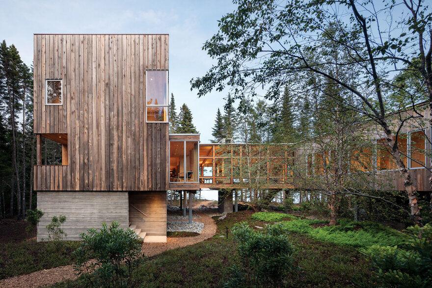 Englishman Bay Retreat / Whitten Architects