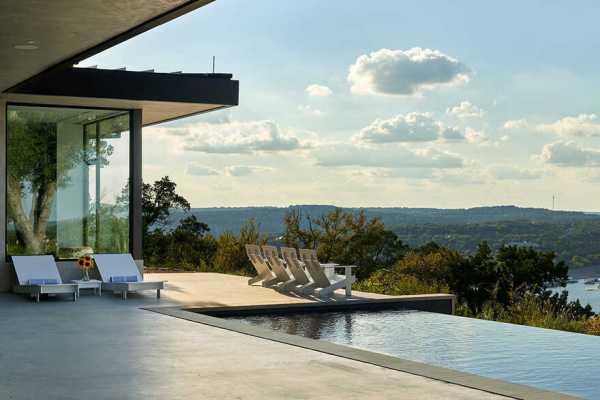 Lago Vista House, Texas / Dick Clark + Associates