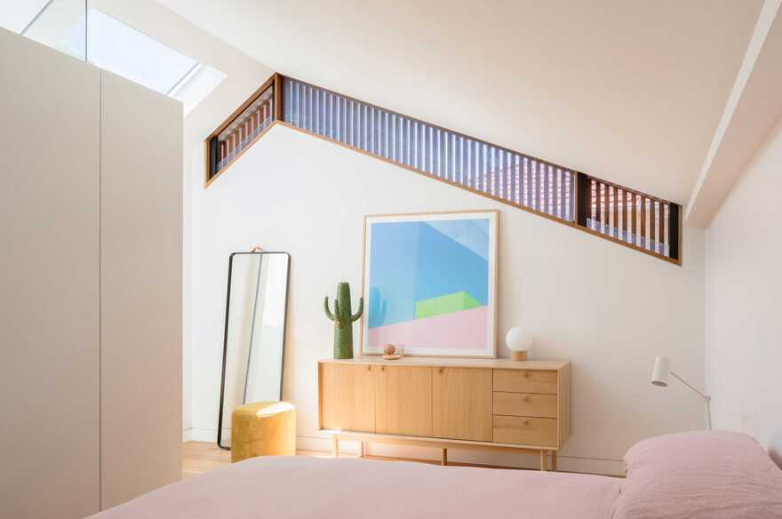 Inspired by the Traditional Japanese Townhouses of Kyoto, bedroom