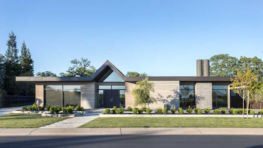 Modern Single Story House on a Sloped Site, Folsom, California