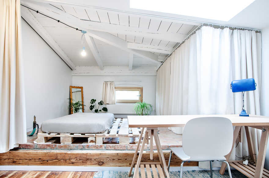 Refurbishment of an Attic of a Single Family House from the 30s