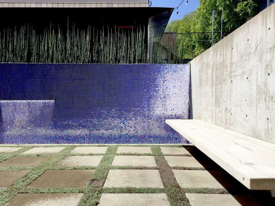 CLT Courtyard House / DPo Architecture