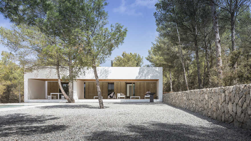 Ca l'Amo House in Sant Mateu, Ibiza / Marià Castelló Architecture