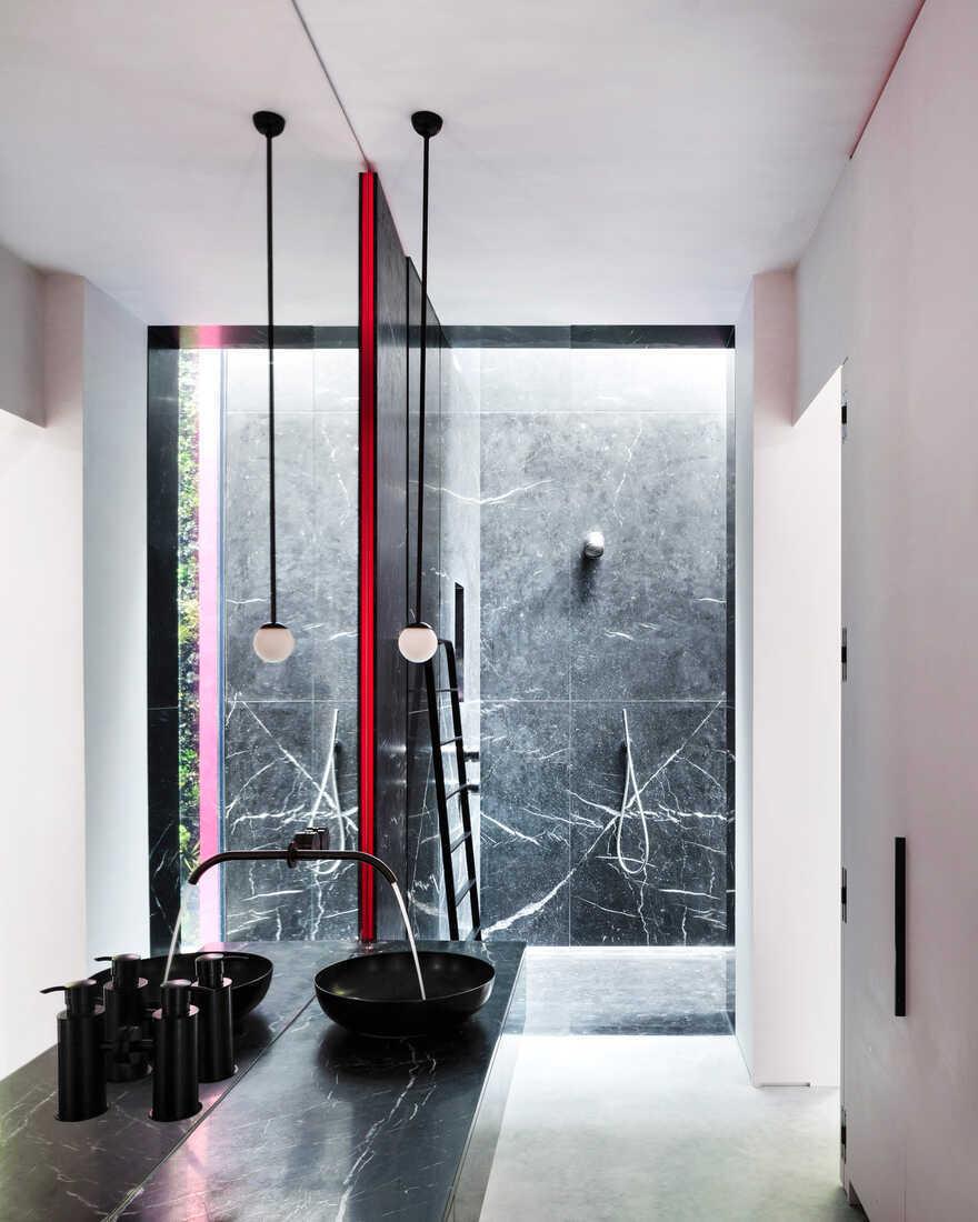bathroom, Chelsea / Rodić Davidson Architects